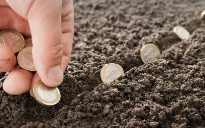 Hukum Membayar Zakat Mal Dengan Nilai