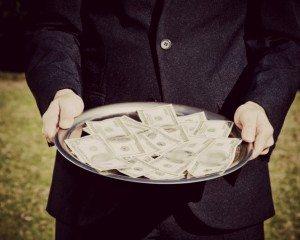 Politik Uang: Dampak Buruk, Pesan Bagi Kandidat dan Masyarakat serta Solusinya